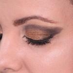 makeup-377618_640