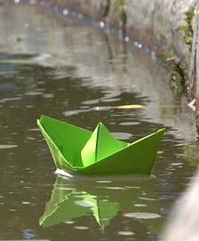 paperboat-1014962_640